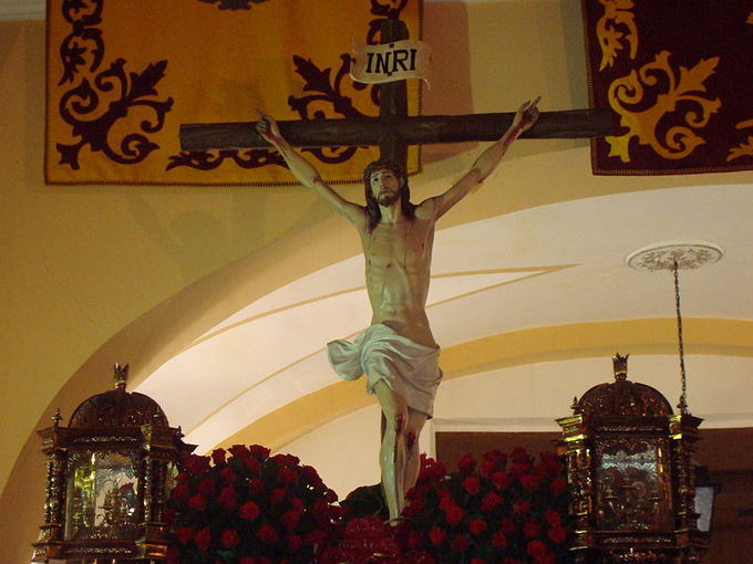Sculpture of Jesus on the cross.