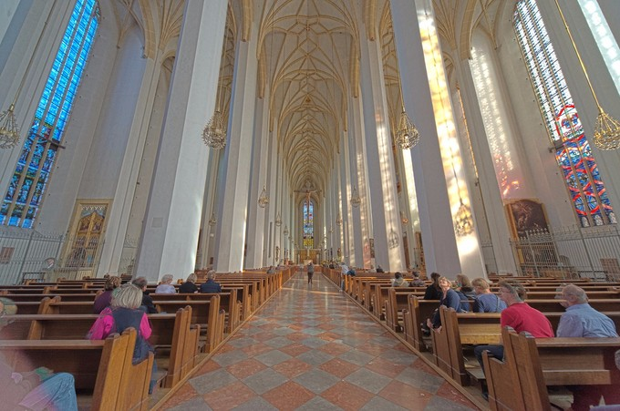 Interior view of a Hall church.