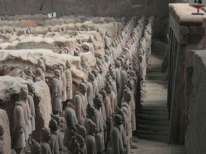 A photo of part of the tomb, showing three rows of terracotta figures.