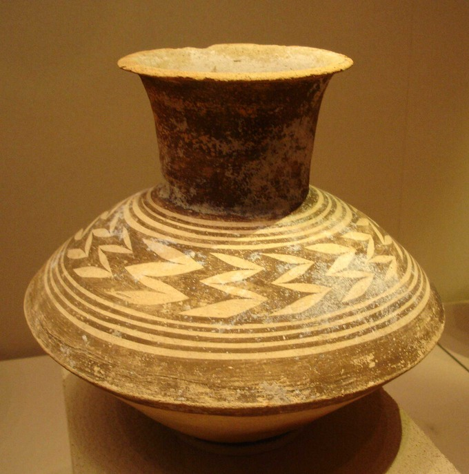 Photo depicts an Ubaid style jug or vase.