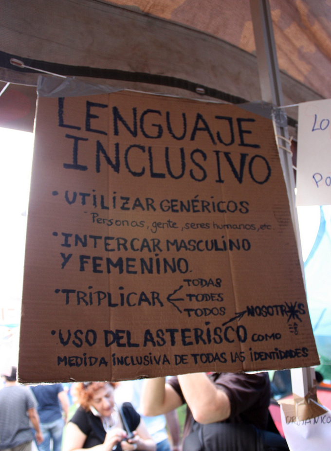 A picture of a sign in Spanish that gives suggestions for gender-neutral language.