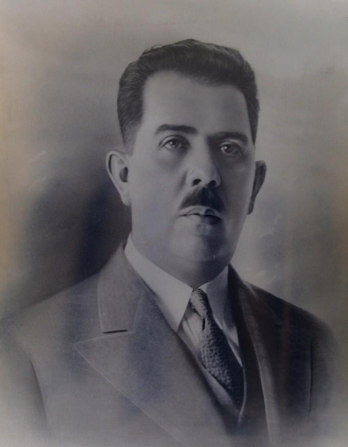 Photo portrait of Lázaro Cárdenas