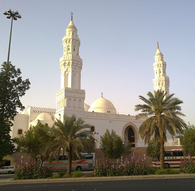 The Masjid al-Qiblatain is a mosque accentuated with twin minarets, or towers, as well as twin domes.