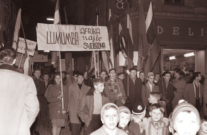Photo of a crowd of people in Slovenia protesting the death of Lumumba.